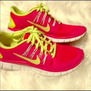 Nike raspberry and lime